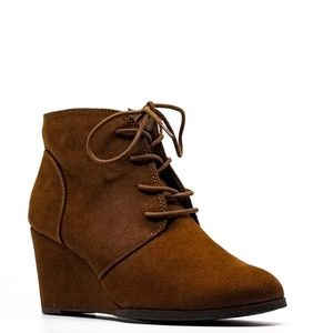 American Rag Cie Baylie Chestnut Wedge Booties